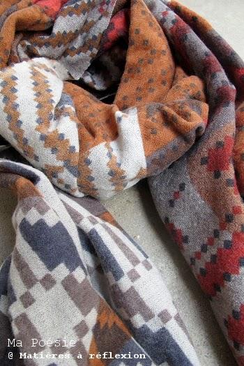 Echarpe en laine épaisse ocre rouge Ma Poésie