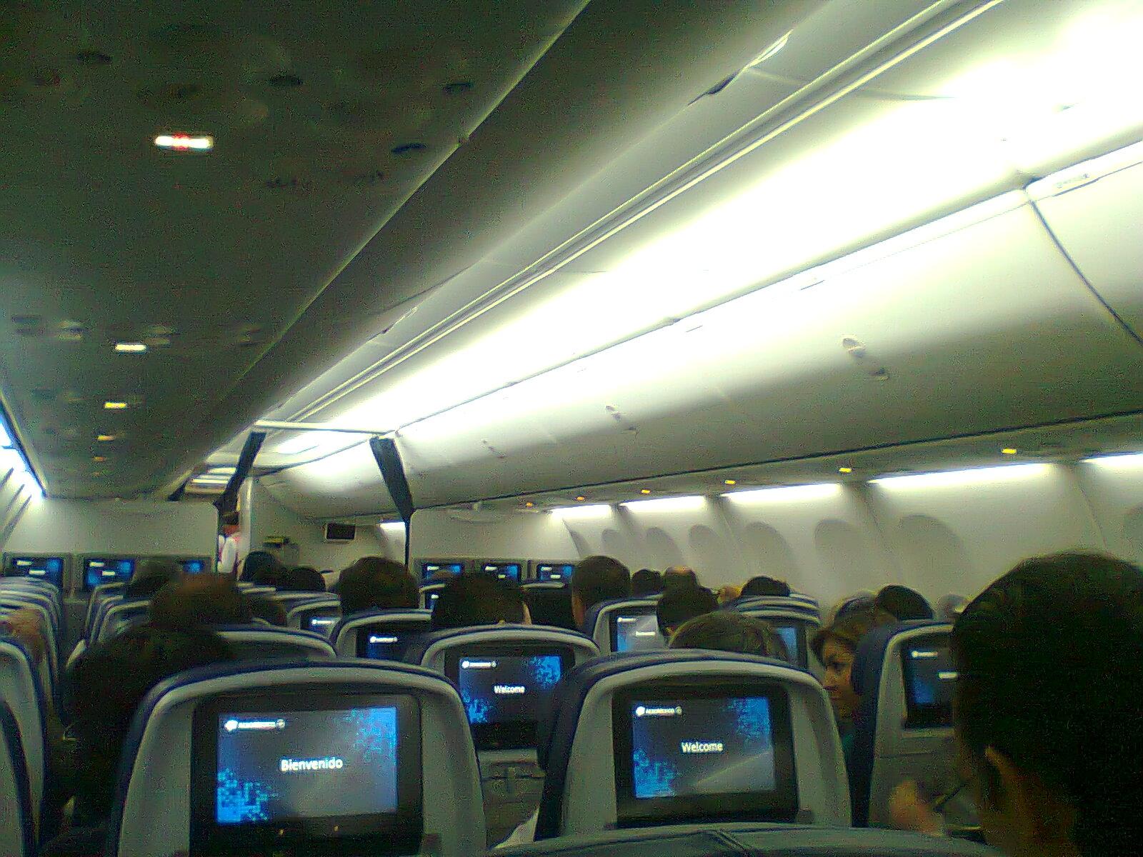 el boeing 737 800 de aerom xico con sky interior