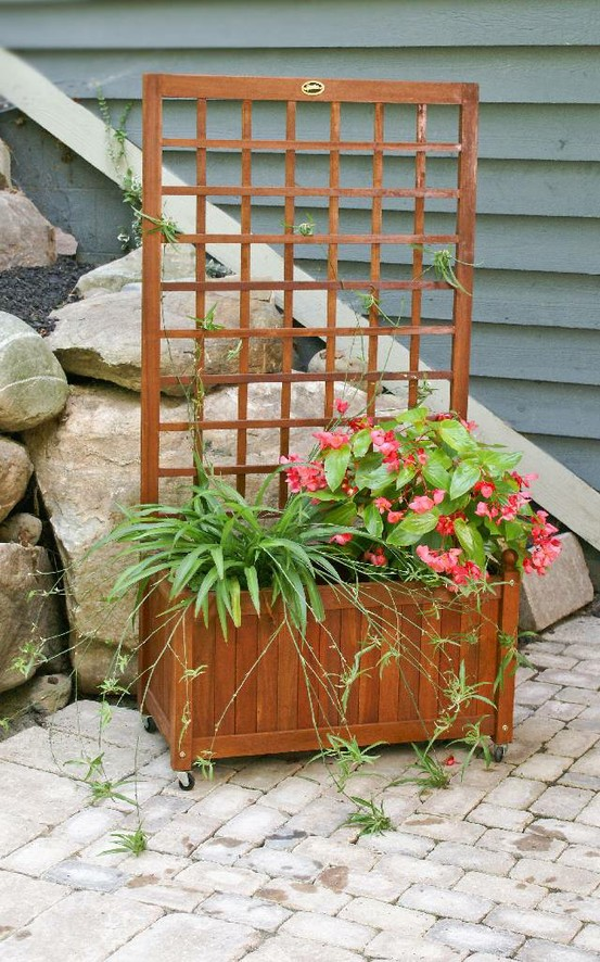 All purpose flower bookend planters with a trellis for Privacy planter ideas