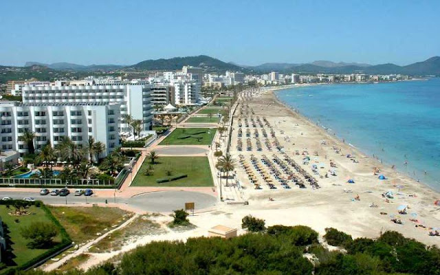 Espectaculares playas en la zona de Cala Bona, Mallorca