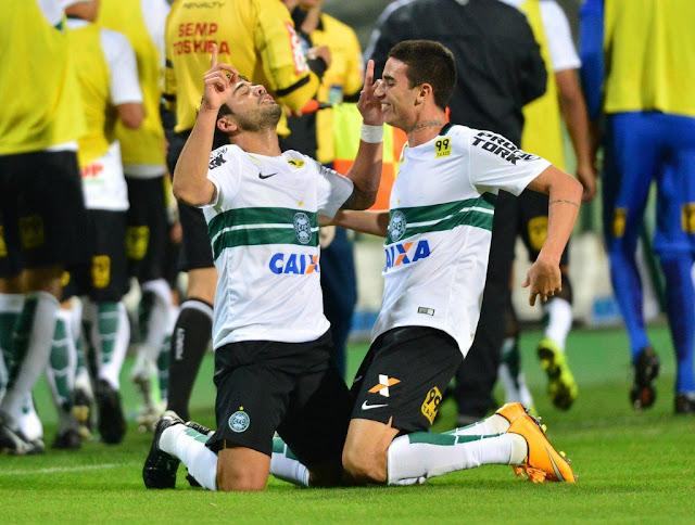 O Coritiba pretende usar a vitória sobre o Palmeiras como motivação para reagir (Foto: Jason Silva/Gazeta Press)
