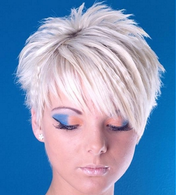 MEDIUM SHORT HAIRCUT SHORT SPIKEY HAIRSTYLES FOR WOMEN FUNKY AND POPULAR