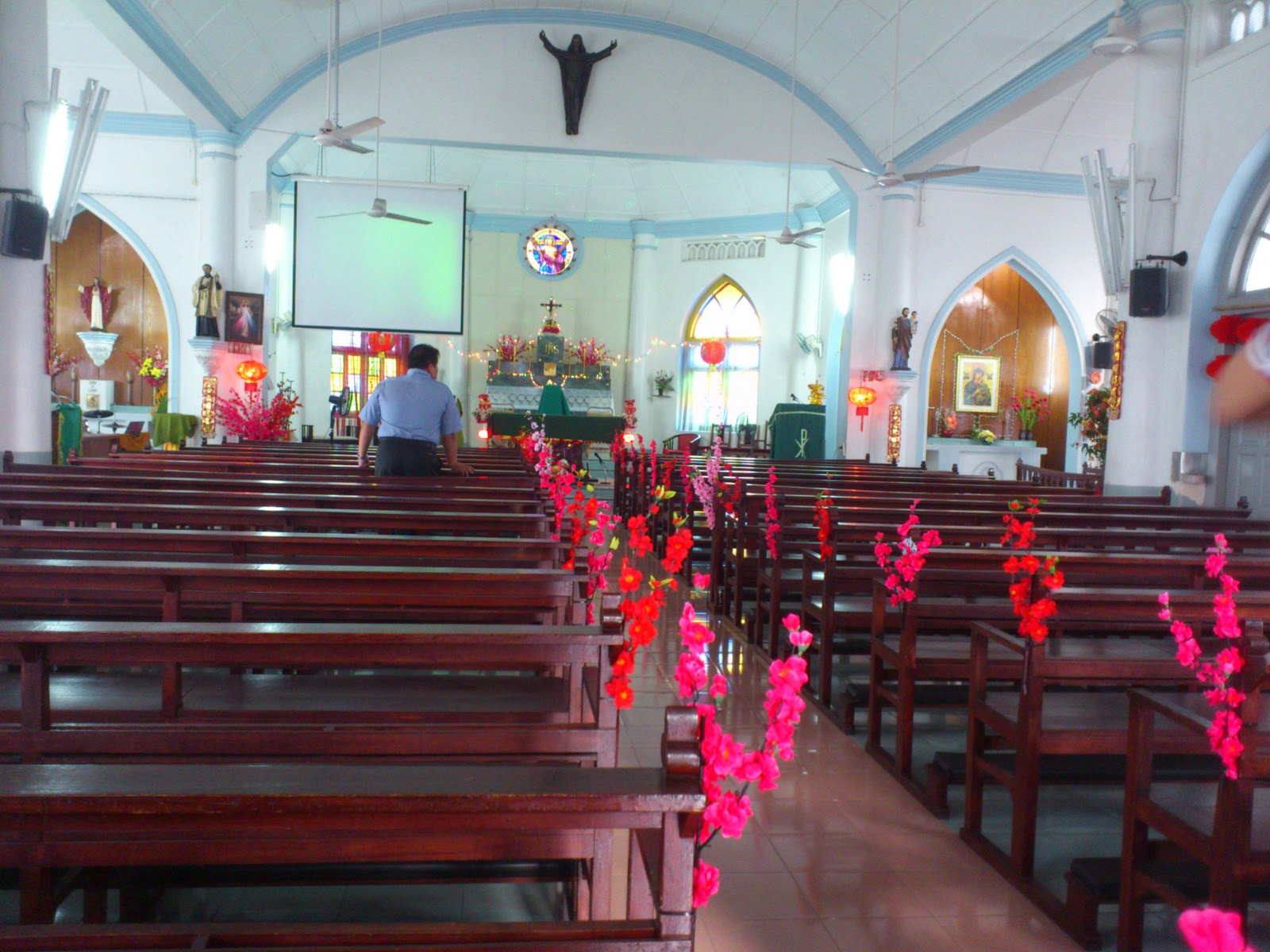 Emotion church chinese new year decoration 2012 for Decoration new year