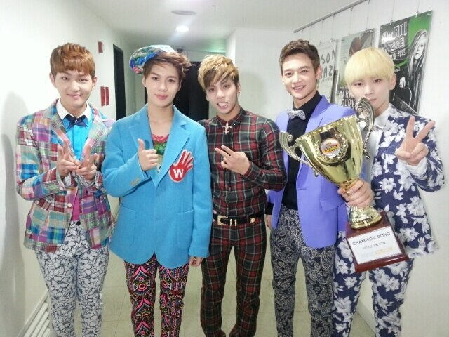 SHINee wins on MBC Show Champion 130227