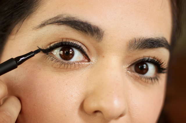 CoverGirl Intensify! Me! Liquid Eyeliner Review