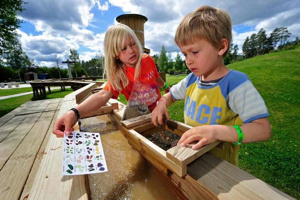 I høstferien kan ungene gå på skattejakt i Eventyrbekken
