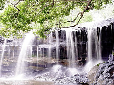 Wang Yai waterfall