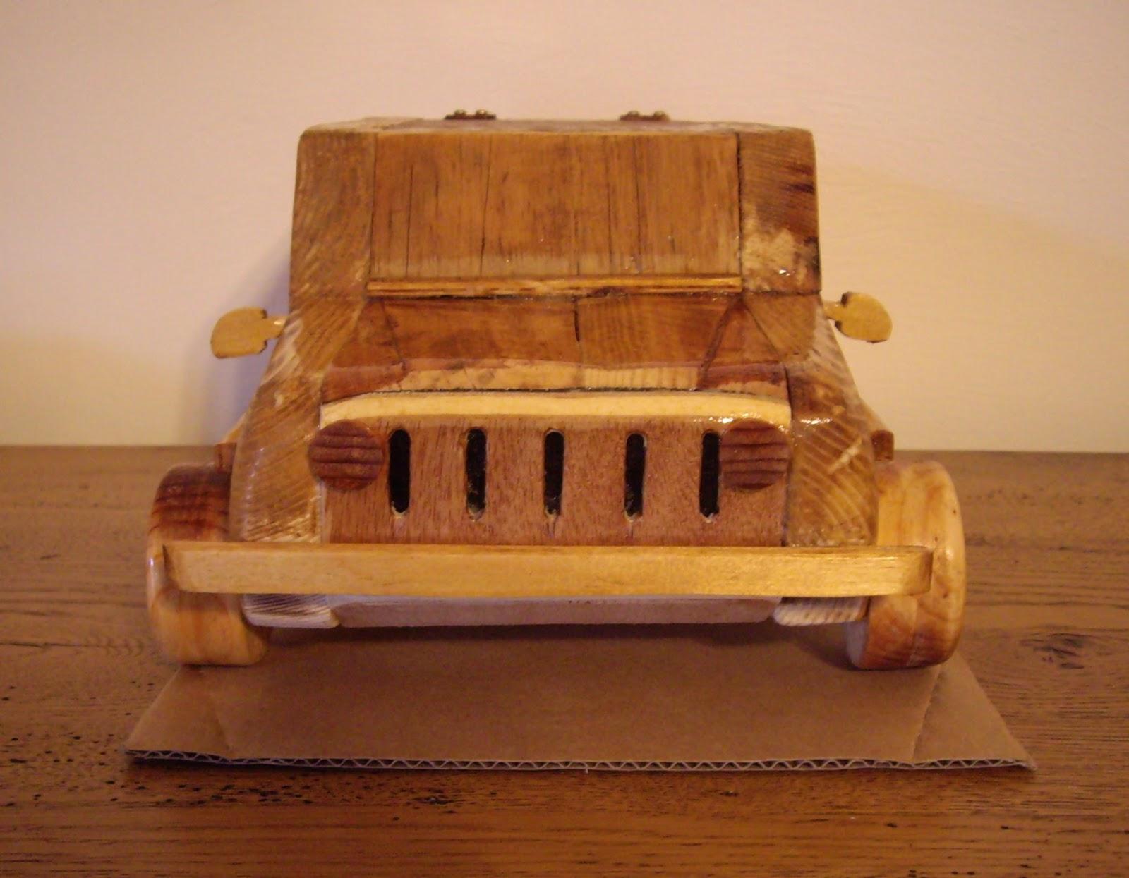 Objets d co tutoriels et meubles en bois de palettes jeep wrangler en bois - Objet en palette en bois ...