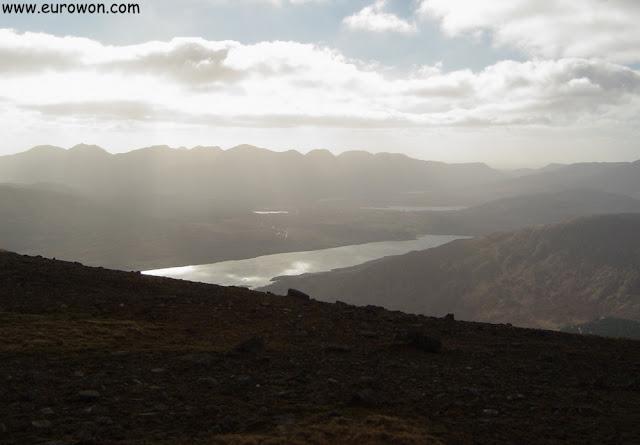 Atardecer visto desde una montaña irlandesa