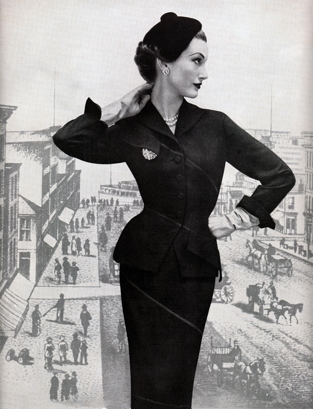 Highly contoured 1950s suit #vintage #fashion #1950s #suit