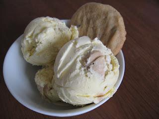 recettes de flipp cr me glac e la p te biscuit au beurre d 39 arachide. Black Bedroom Furniture Sets. Home Design Ideas