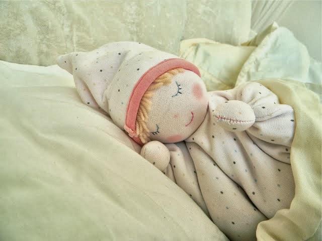 Куколка-грелка с вишневыми косточками