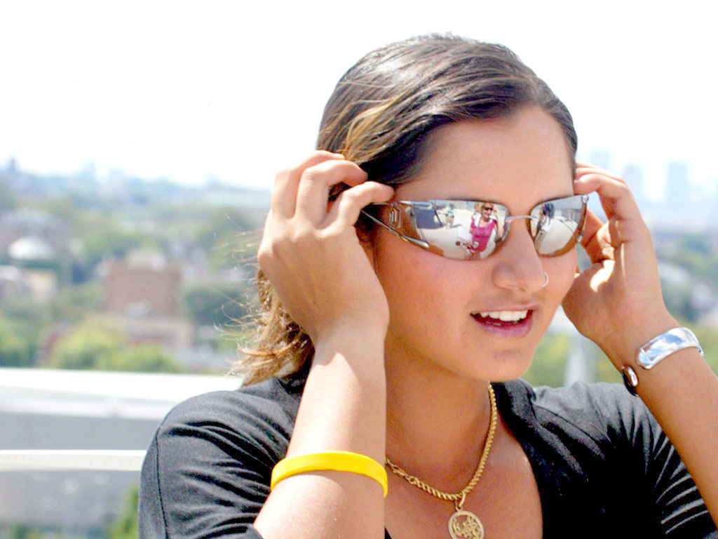 http://3.bp.blogspot.com/-FA-FCwyo8Cw/T8eEoNAxMZI/AAAAAAAAAzM/mT5xVI8JIQQ/s1600/Sania-Mirza-Biography.jpg