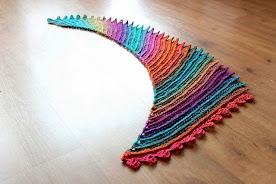 Kleurrijke trapjes-sjaal