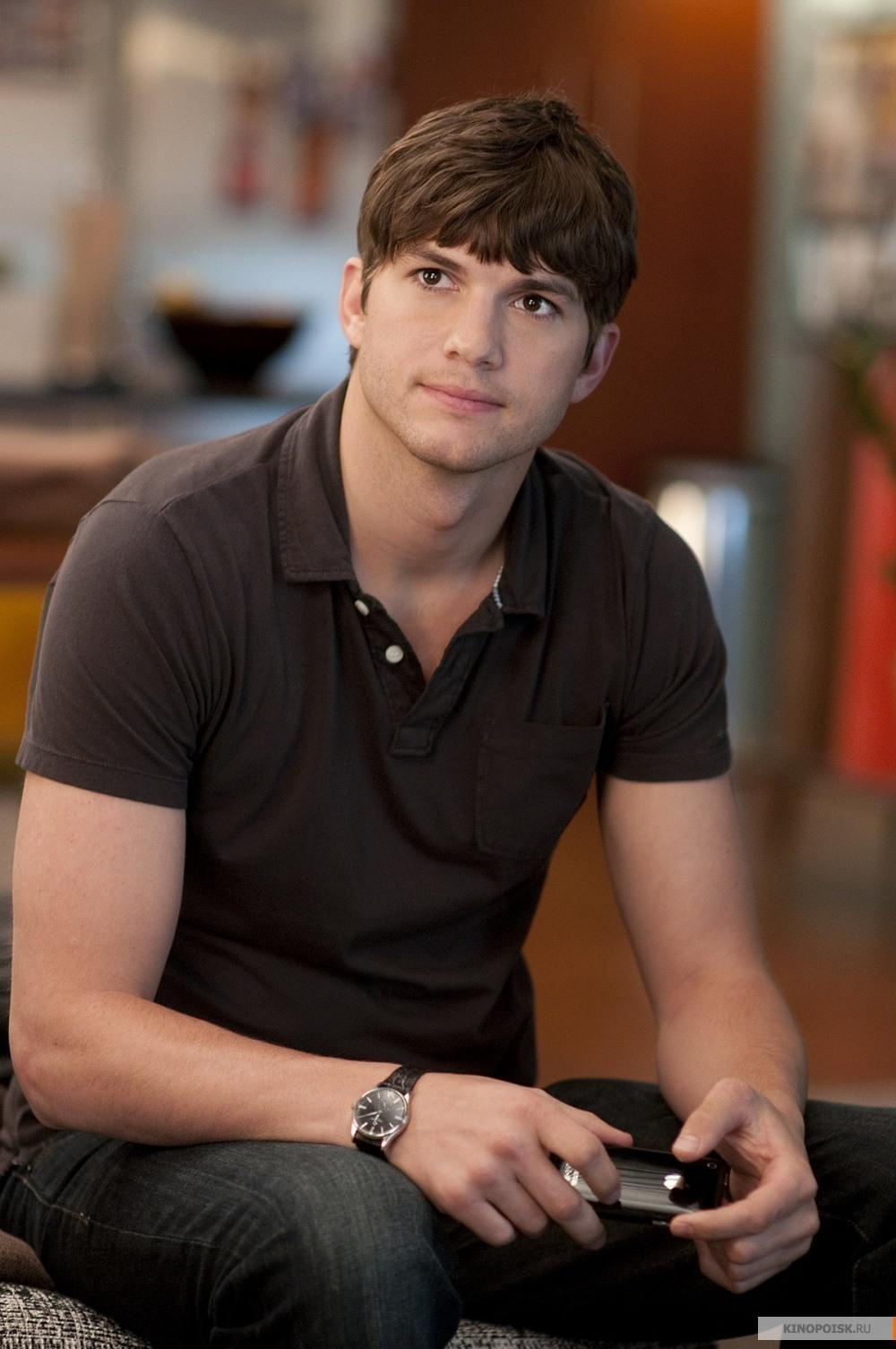 Ashton Kutcher   Actor-Model Profile and Photos 2012   Hollywood Ashton Kutcher