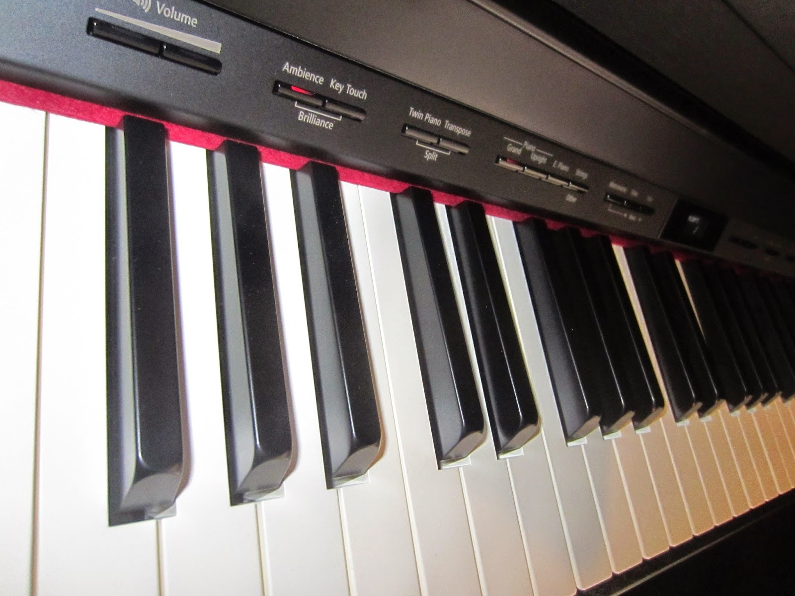Roland HP504, HP506, HP508 digital pianos