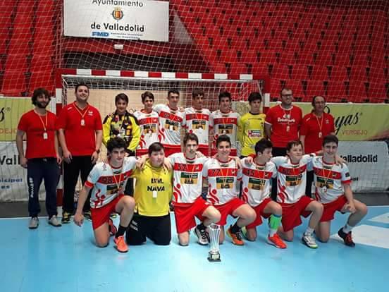 Los cadetes del Balonmano Nava, campeones de Castilla y León