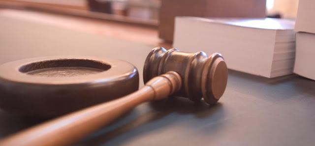 Mandato y Derecho
