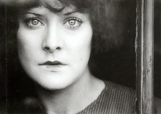 Fotograma de la película de Jean Epstein,  Coeur fidèle (1923). En la imagen, la actriz Gina Manès