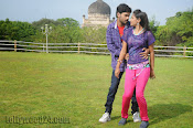 Nuvvena Adi Nivvena Movie Stills-thumbnail-7