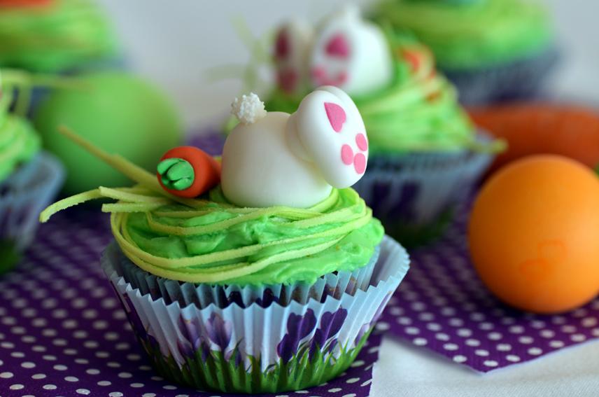 Möhrchen-Cupcakes mit Frischkäse-Orangen-Frosting
