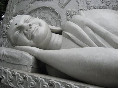 10 Cara Tidur yang Dilakukan Oleh Rasulullah SAW - raxterbloom.blogspot.com