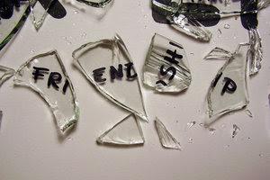 http://3.bp.blogspot.com/-FB_Air_2PBo/TeiHVIAPVJI/AAAAAAAAAK0/4EUHHr8T5wM/s400/broken-friendship.jpg