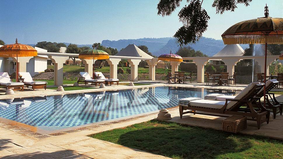 Pool at the Oberoi Vanyavilas