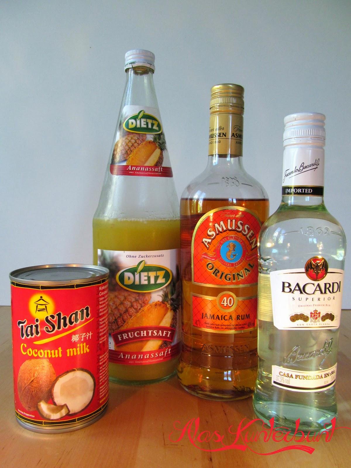 einfach Kokosmilch, Ananassaft, weißen und braunen Rum mixen | Ala's Kunterbunt