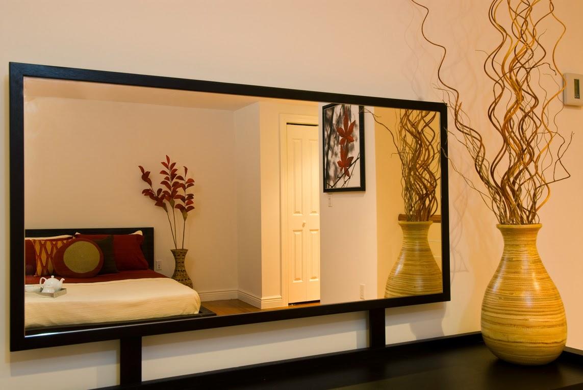 Tips menata rumah kecil minimalis agar terlihat luas for Espejos para comedor madera