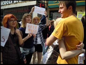Peluk Cewek Gratis di Rusia