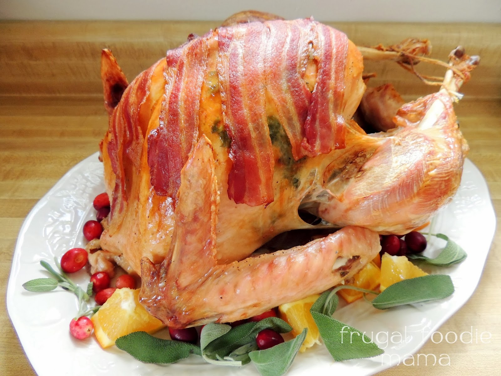 Bacon & Sage Roasted Turkey via thefrugalfoodiemama.com #holidaydinner