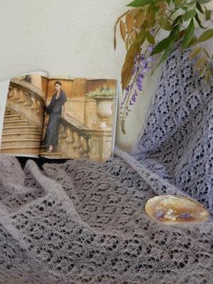 TE KOOP: LILA kidsilk mohair zijde shawl.