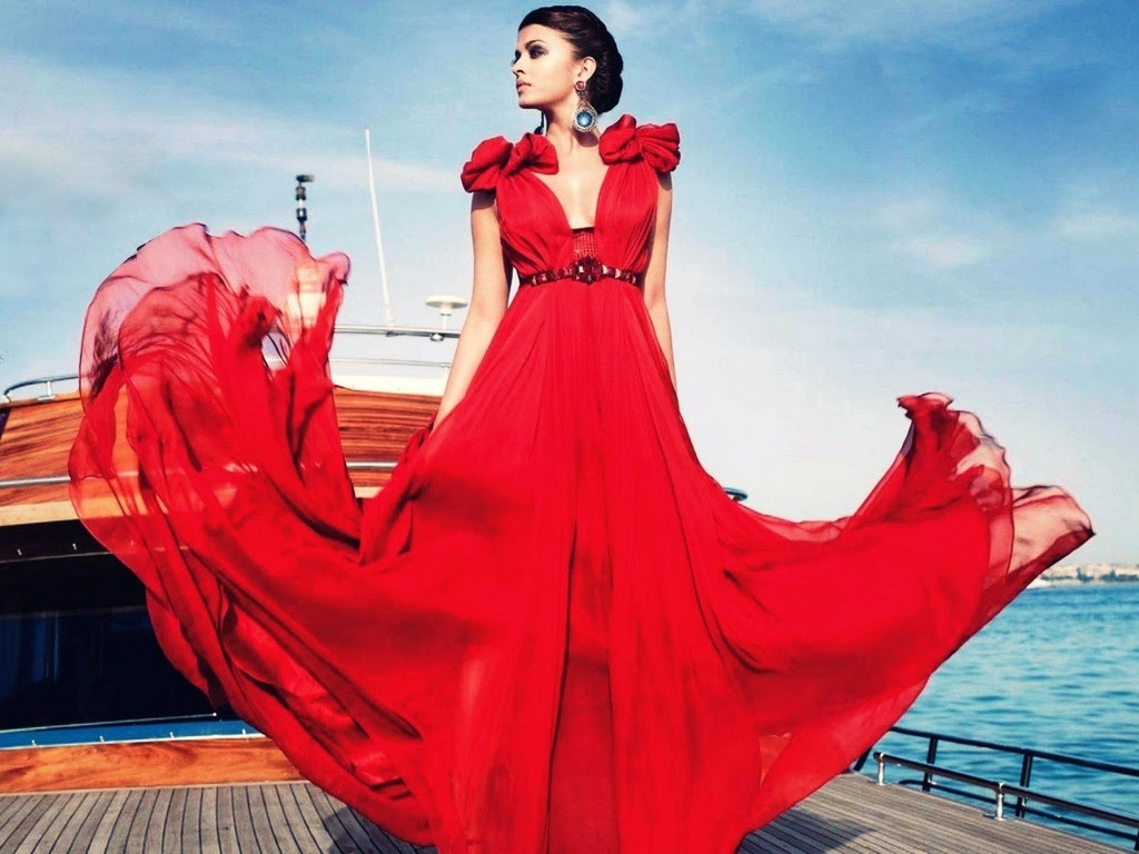 http://3.bp.blogspot.com/-FCg3IVyThvk/TzU8Mc7CRSI/AAAAAAAAHH8/EADrknSWX6U/s1600/red_sexy_chiffon_prom_gown_dress_aishwarya-rai-v_1024x768_20111028023216.jpg