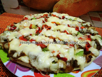 RESEP PIZZA KEJU SAUS BARBEQUE ALA RUMAHAN