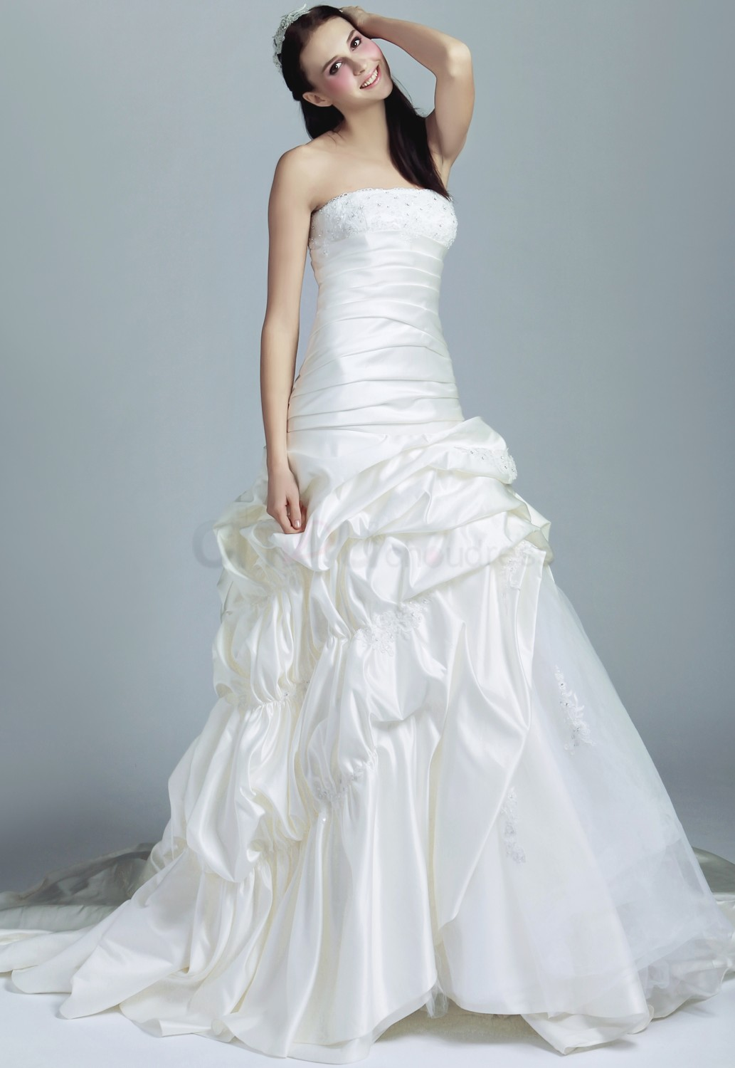 wedding dresses cold climates: Best Wedding Dress Styles For Wide Hips