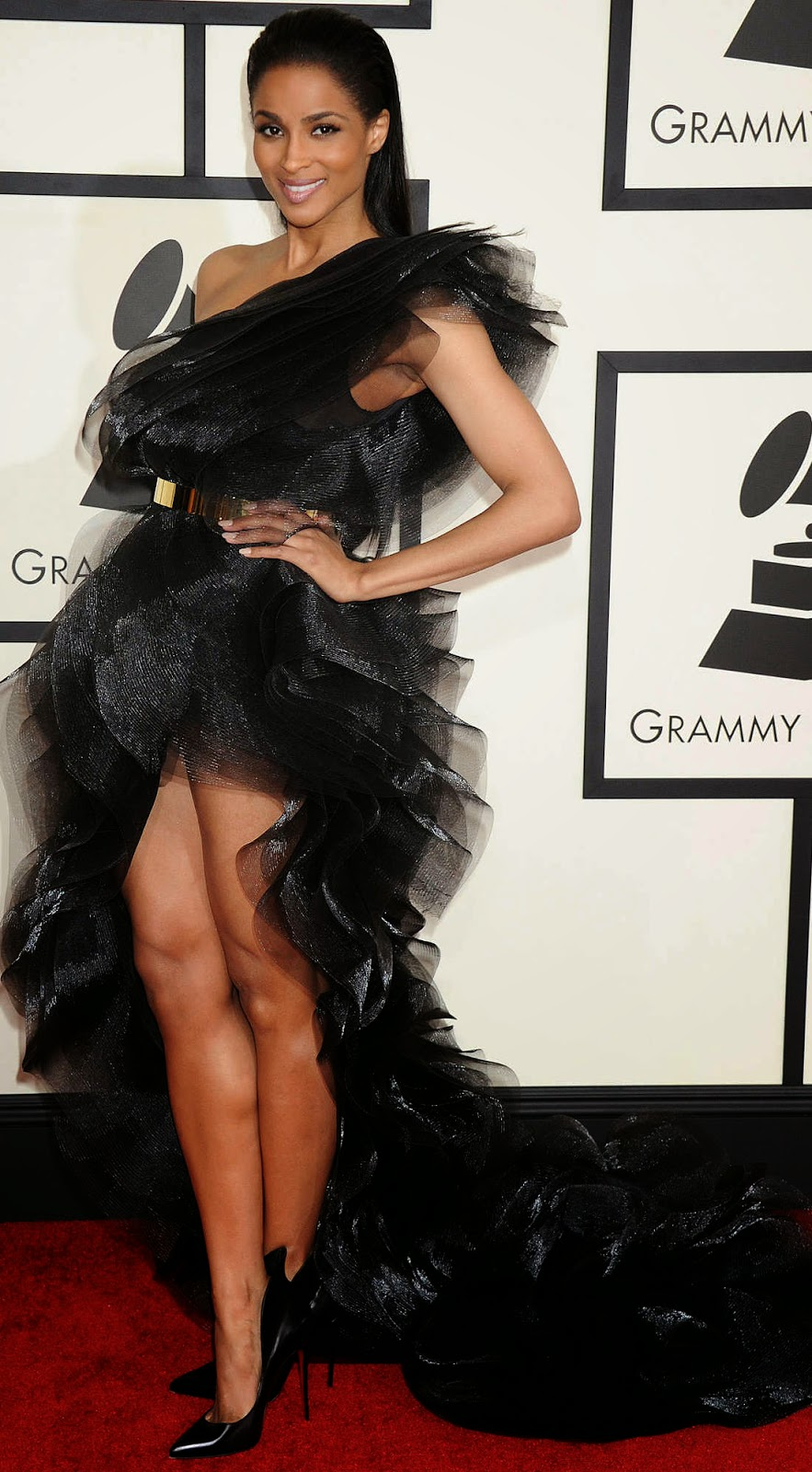 Ciara 2015 Grammy Red Carpet Fashion