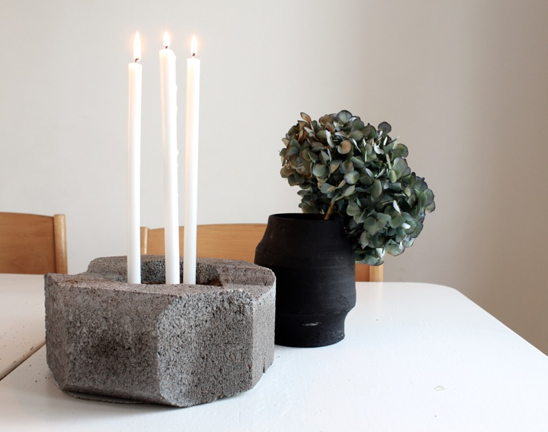 Betonic candle holder