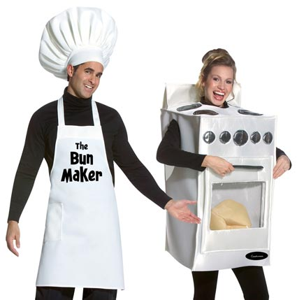 this is one of the best halloween costume ideas for pregnant women and requires a box of any size depending on the size of your pregnant belly - Pregnant Halloween Painted Bellies