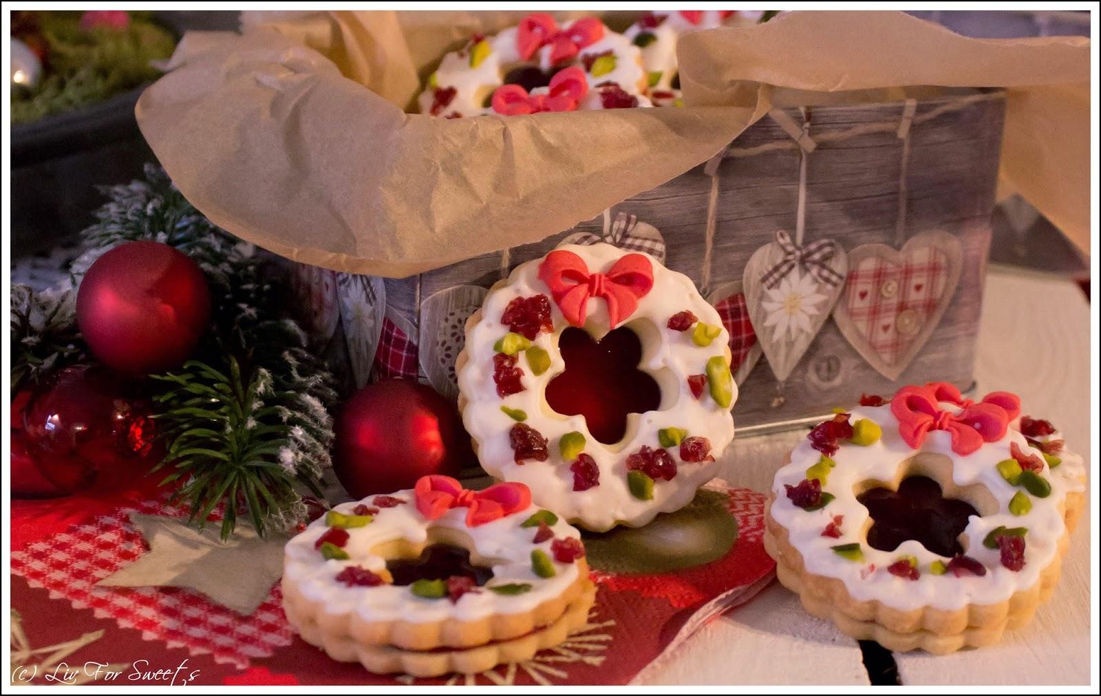 liv for sweets weihnachtsb ckerei weihnachtskranz kekse. Black Bedroom Furniture Sets. Home Design Ideas