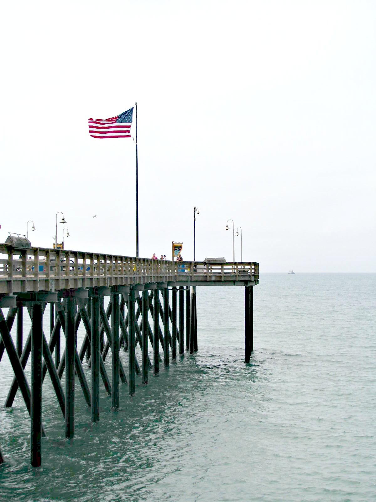 Beauty 4 ashes ventura pier for Ventura pier fishing