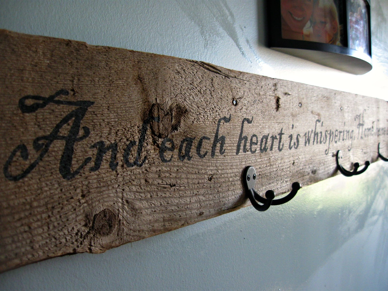Woodwork using old barn wood pdf plans for Barnwood sign ideas