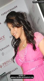 Anjali in pink dress latest stills