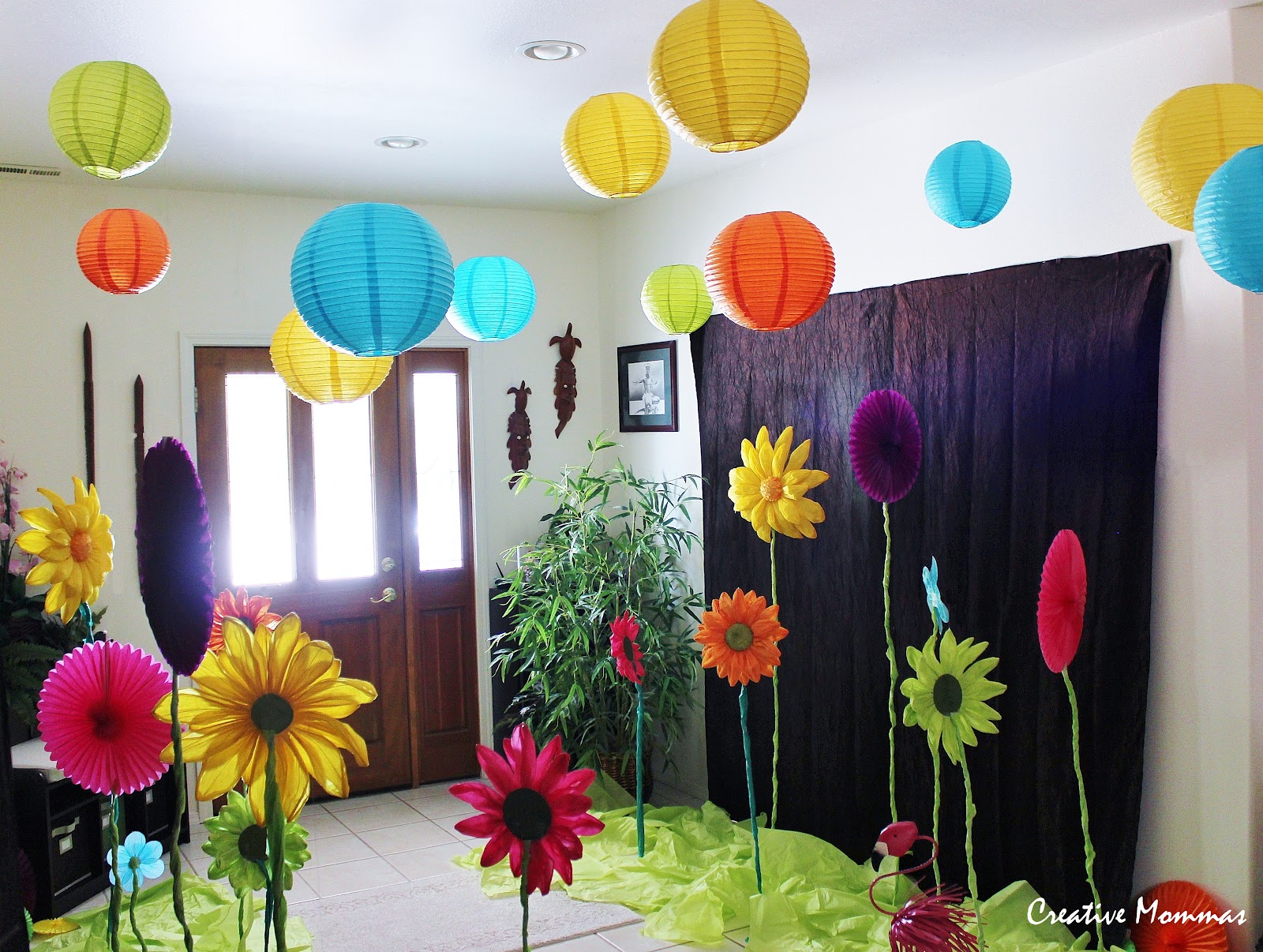 Creative mommas alice in wonderland birthday party - Alice in wonderland decorations ...