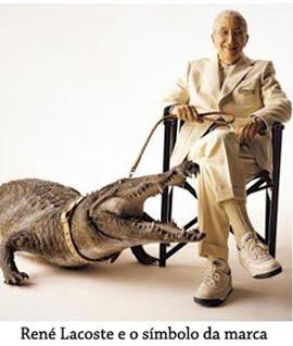 4785bdd65a614 O amigo Robert George desenhou então para René um crocodilo que foi bordado  na camisa que ele usava nas quadras de jogo. A camisa, em algodão com malha  ...