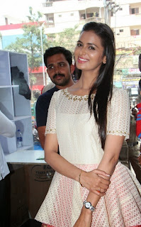 Actress Meenakshi Dixit Latest Pictures at Yes Mart Launch  48.jpg