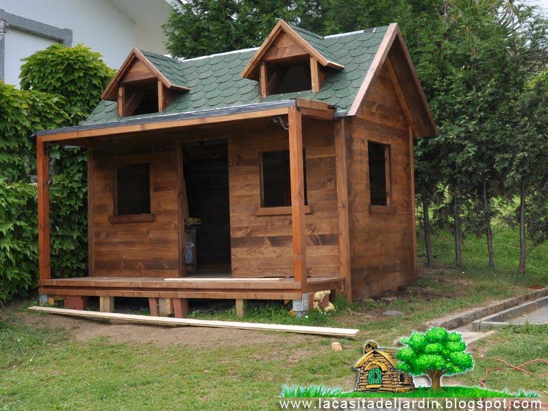 D a 19 el porche la casita del jard n construcci n for Casita de madera para jardin