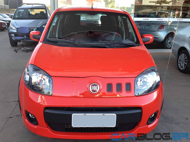 Fiat Uno Sporting 2013 - vermelho modena