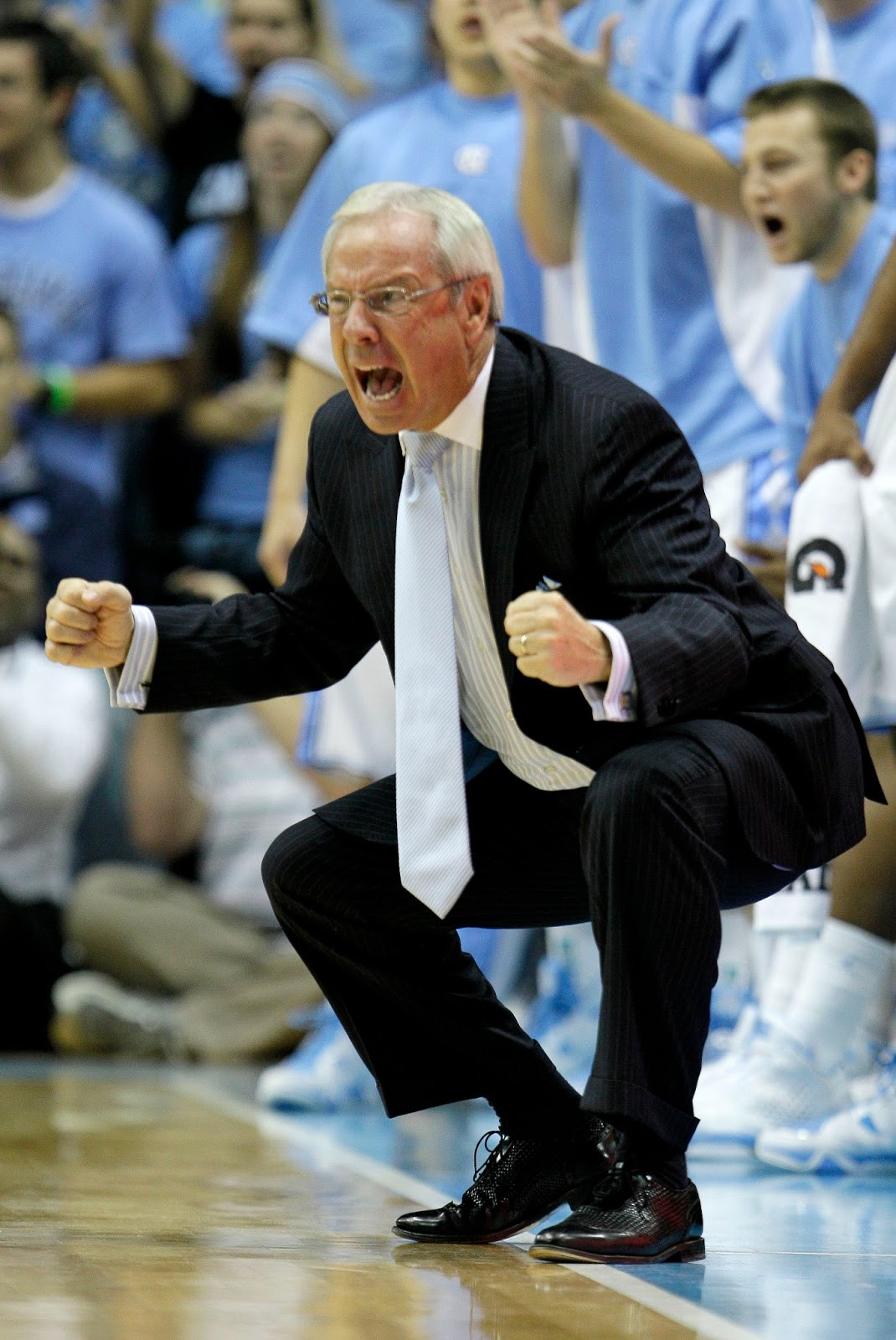 Bobby knight throwing chair gif -  Pooping Into
