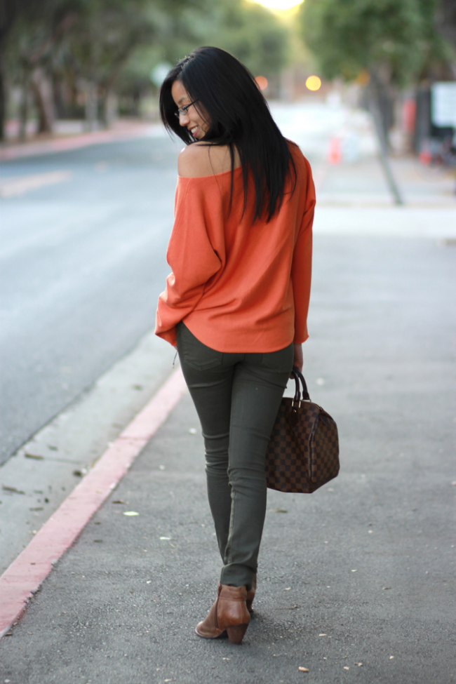 fall oversized sweaters trend leggings